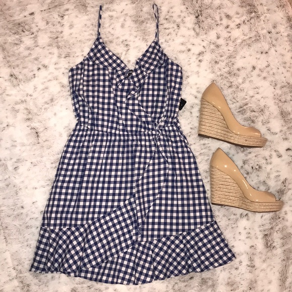 341467f4a016 🆕Express- Gingham Ruffle Wrap Cami Dress